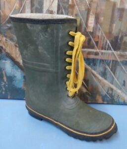Vtg green rubber lace up mens Insulated rain boots 8 soles steel shank
