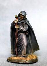 DARK SWORD MINIATURES - DSM7333 Female Witch / Old Crone w/Staff