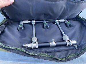 Original Solar Worldwide Carbon Rod Pod with 3 Rod Pozi Loc BuzzBars.