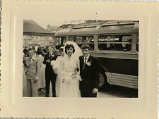 PHOTO ANCIENNE - VINTAGE SNAPSHOT - AUTOBUS BUS CAR COUPLE MARIAGE - LOVERS