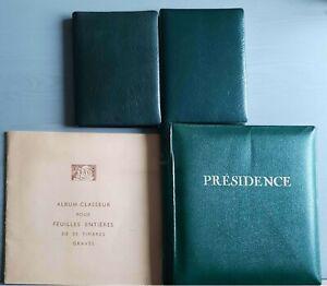 2 albums contenant 617 timbres neufs - 1 album pour feuilles- 1 album Présidence