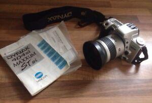 MINOLTA DYNAX 404si MAXXUM ST si Manual Film Camera AF ZOOM Including Carry case