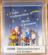 Preiser HO #29098 Santa Claus w/Children (Painted Plastic Figures) 1:87th Scale