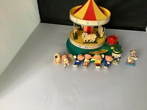 vintage magic roundabout With Figures Corgi Musical Carousel Working 8 Figures