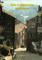 L043717 Yorkshire. Main Street. Haworth. The Bronte Parsonage Museum. Simon Warn