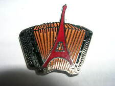 PIN'S  ACCORDEON  /  TOUR EIFFEL    / CORNER  /  INSTRUMENTS MUSIQUE