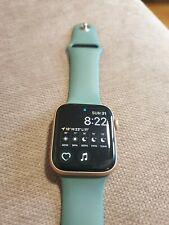 Apple Watch Series 5 44mm rose gold Aluminium Case with green Band