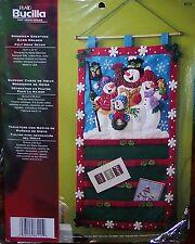 Bucilla SNOWMEN CHRISTMAS GREETING CARD HOLDER Felt Wall Hanging Kit OOP 86115