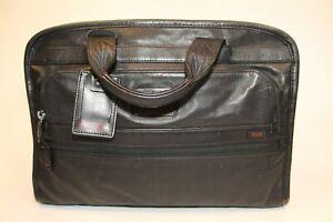 Tumi Large Black Leather Business Briefcase Travel Toe Bag 9610IDH