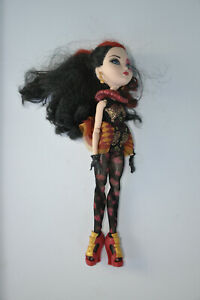 Lizzie Hearts Doll- Ever After High