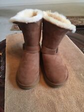 Tan Boots with fur inside-Size 6