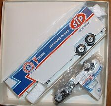 Richard Petty STP Pontiac Race Hauler '91 Winross Truck