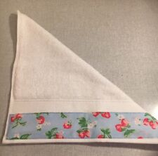 JOHN LEWIS FACE CLOTH TRIMMED WITH CATH KIDSTON STRAWBERRIES BLUE FABRIC 30x30CM