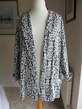 Black and white loose fitting jacket by M&Co Size 20