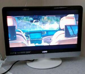 """Vizio VX200E 20"""" LCD TV HDTV HDMI RGB S-Video Component - No remote Working"""