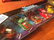 Muscle Machines 1/64 2001 Christmas 5 Car Set. Item 71184