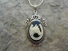 BEAUTIFUL HORSE AND HORSESHOE CAMEO NECKLACE- LUCKY - .925 SILV. PLATED - EQUINE