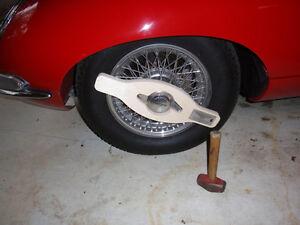 SOFT WHEEL WRENCH for JAGUAR! eType XKE knock off spinner wooden thor hammer KO