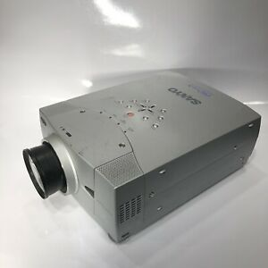 Projector 4100 Lumens. Sanyo Pro xtraX Multiverse PLC-XP46 with lens and lamp
