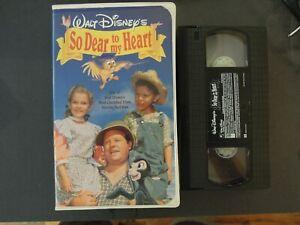 "WALT DISNEY'S ""SO DEAR TO MY HEART"" ON VHS IN CLAMSHELL CASE *TCI#R"