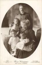 66746 Unser Kaiserpaar mit seinen Enkeln