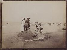 Jeux avec le sable La Plage Instantané France Vintage Citrate vers 1905