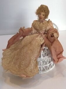 Vintage Dolls House 1/12 Artisan Doll Jan Clarke Poor Condition Haversham  C714