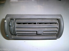 LAND ROVER FREELANDER OR DISCOVERY 200TDI CENTRE DASHBOARD AIR VENT GREY  (6)