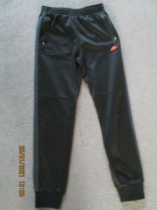 Boys LB  Ellesse Tracksuit Bottoms ( Approx 13 years )