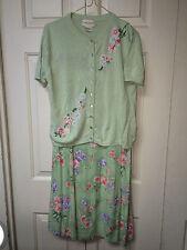 Womens~2pc~Sweater and Matching Skirt~Light Green~Lime~Pink Flowers~Sz Medium