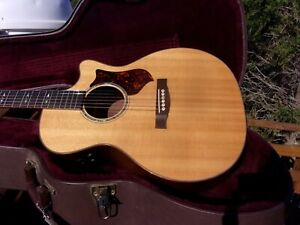 2010 MARTIN PGCPA1 ACOUSTIC-ELECTRIC GUITAR IN EXCALLENT CONDITION