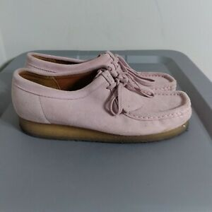 Clarks Wallabees Women's Size 10M Shoes Pink Suede Lace Up Comfort Moccasins