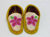 NATIVE AMERICAN FULL BEADED CHILDRENS MOCCASINS 6 INCHES STUNNING FLOWER DESIGN