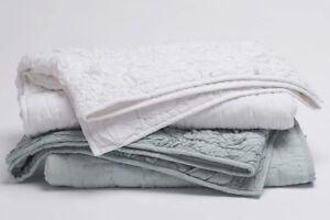 Coyuchi Mojave Organic Cotton Gathered Quilt Toddler Alpine White $268 Retail