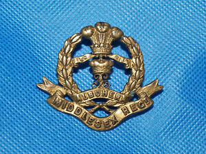 Military Cap Badge - Middlesex Regiment, with Lugs
