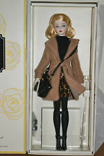 2016 Gold Label SILKSTONE bfmc Classic Camel Trench Barbie-NUOVO