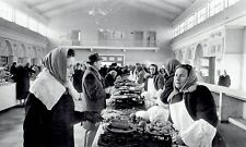 1962 AP Wire Photo Christmas shoppers at Central Market Store in Moscow Russia