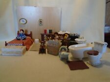 DOLLS HOUSE FURNITURE MIXED LOT BEDROOM/BATHROOM +  ACCESSORIES 12TH SCALE