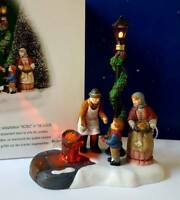 DEPT 56 Dickens Village CHESTNUT VENDOR!   Lights Up!