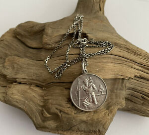 Vintage Solid Sterling Silver St Christopher Pendant & 18 Inch Box Link Chain
