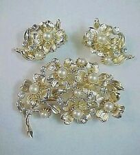 VINTAGE LISNER Floral Pearl & Rhinestone Gold Brooch Pin - Clip On Earrings Set