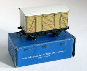 HORNBY DUBLO (D1) 32065 SOUTHERN RAILWAY  MEAT VAN 51298 BUFF  (BOXED)