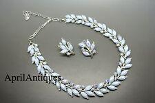 Vintage 50s Coro Iridescent molded milk blue leaf glass choker necklace
