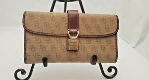 Dooney and Bourke classic trifold wallet