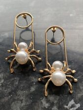 detail stud drop statement earrings Bnwt Gold plated spider with Pearl
