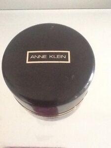 BRAND NEW - ANNE KLEIN - DUSTING POWDER - 200G