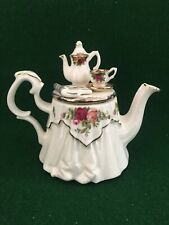More details for royal albert old country roses rare small ornamental display teapot 1996 'second