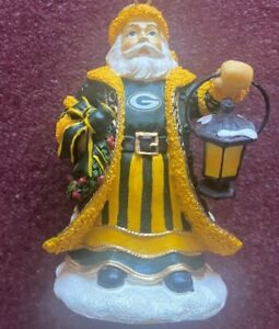 GREEN BAY PACKERS Olde World Santa Christmas 2004 Fourth in Series Memory Co.