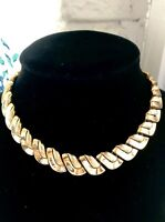 """VINTAGE STUNNING 1950s TRIFARI TEXTURED GOLD-TONE 14"""" - 16"""" LINK CHOKER NECKLACE"""