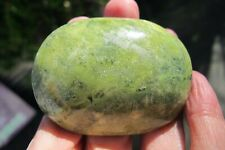 Serpentine Crystal palm stone Carving Stone Polished Oval green Peru Balance 87g